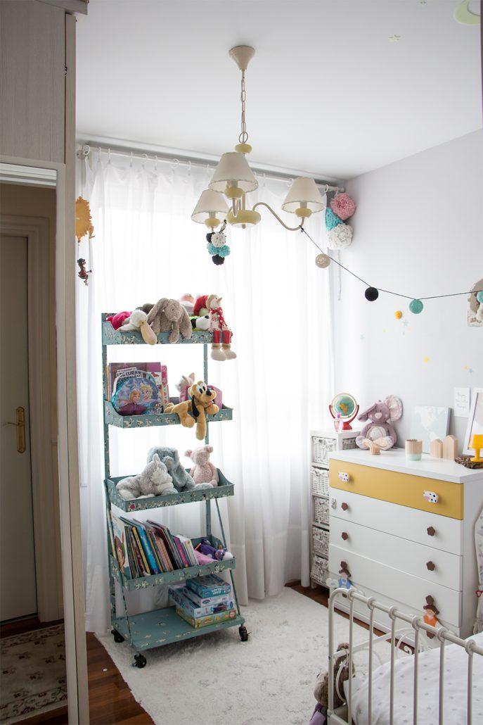 Una habitación infantil real llena de diy