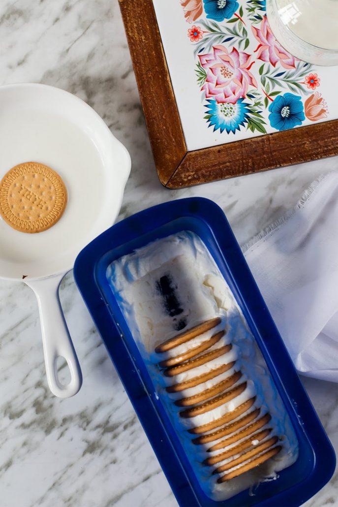 Tarta helada de nata y galletas