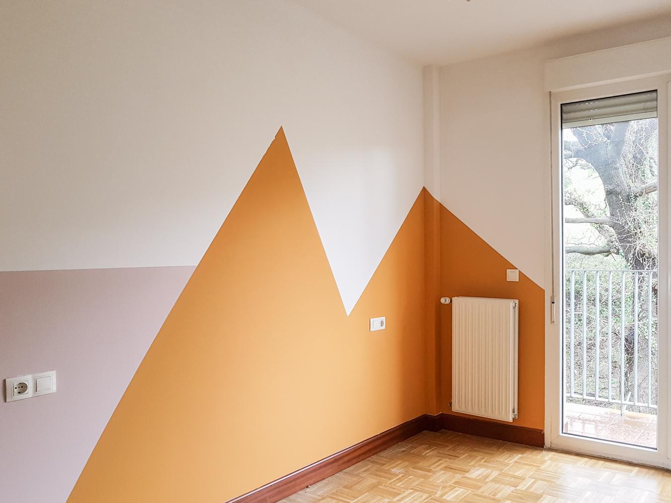 Como pintar una habitaci n infantil con formas geom tricas for Formas de pintar paredes interiores